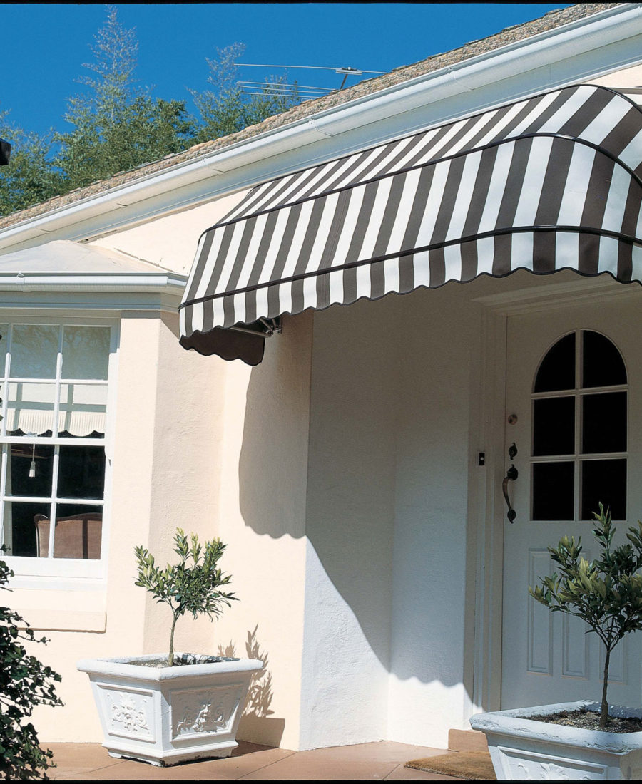 Vibrant And Authentic Dutch Hood European Canopies For Long Lasting Service