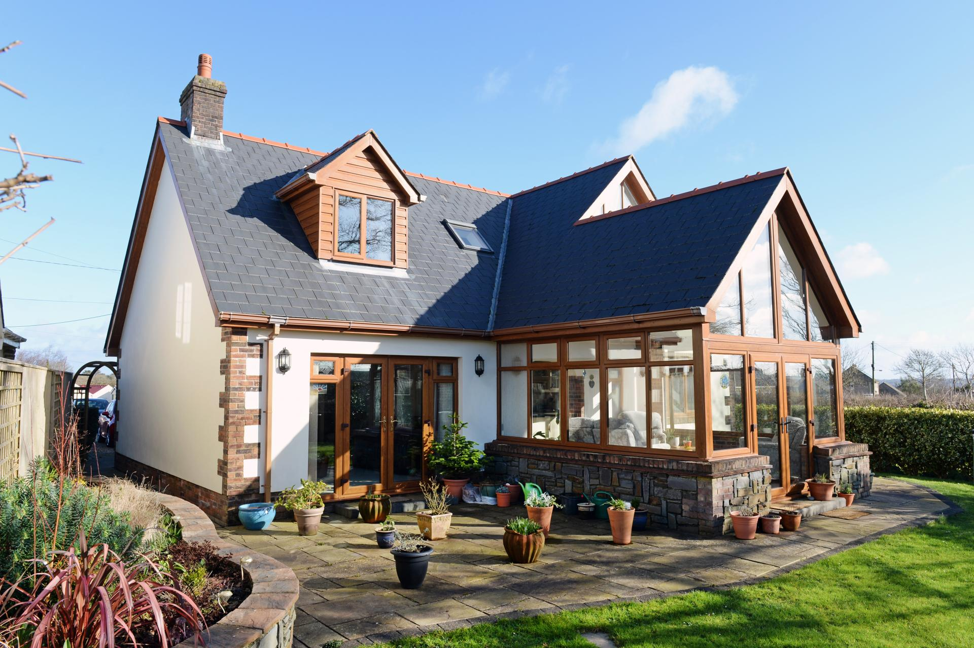 Why Double Glazing Services Are In Great Demand Nowadays?