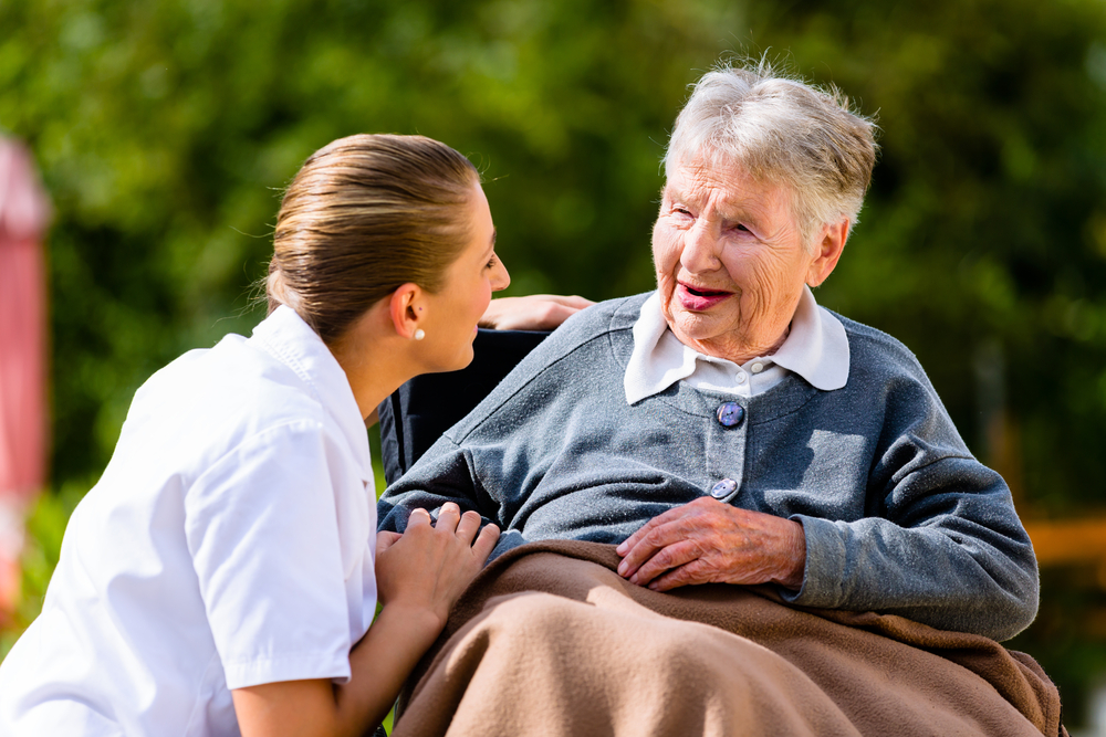 How To Select The Right Live In Carer For You?