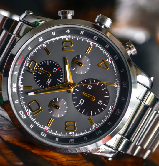 What Are The Major Benefits To Wear Wrist Watches?