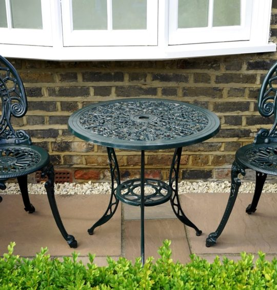 Tips To Buy The Best Modern Outdoor Furniture